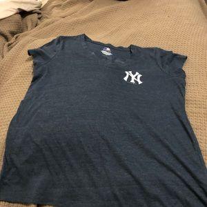 NYY tshirt